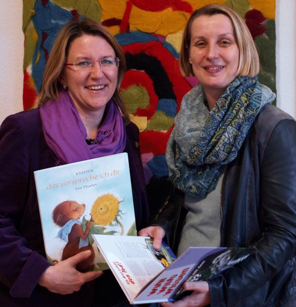 Koordinatorin Bettina Mathes und Ehrenamtliche Steffi Stuckert . Foto: Sara Mierzwa